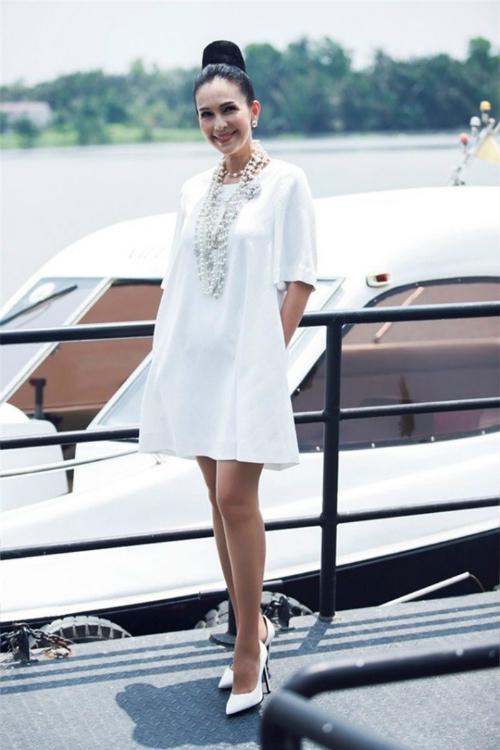 Nữ hoàng ảnh lịch Diễm My được chồng tặng cho chiếc du thuyền có giá gần 2 triệu đô nhân dịp sinh nhật.