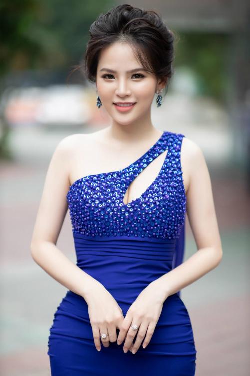 Phi Huyền Trang sẽ đóng vai trò cầm cân nảy mực.