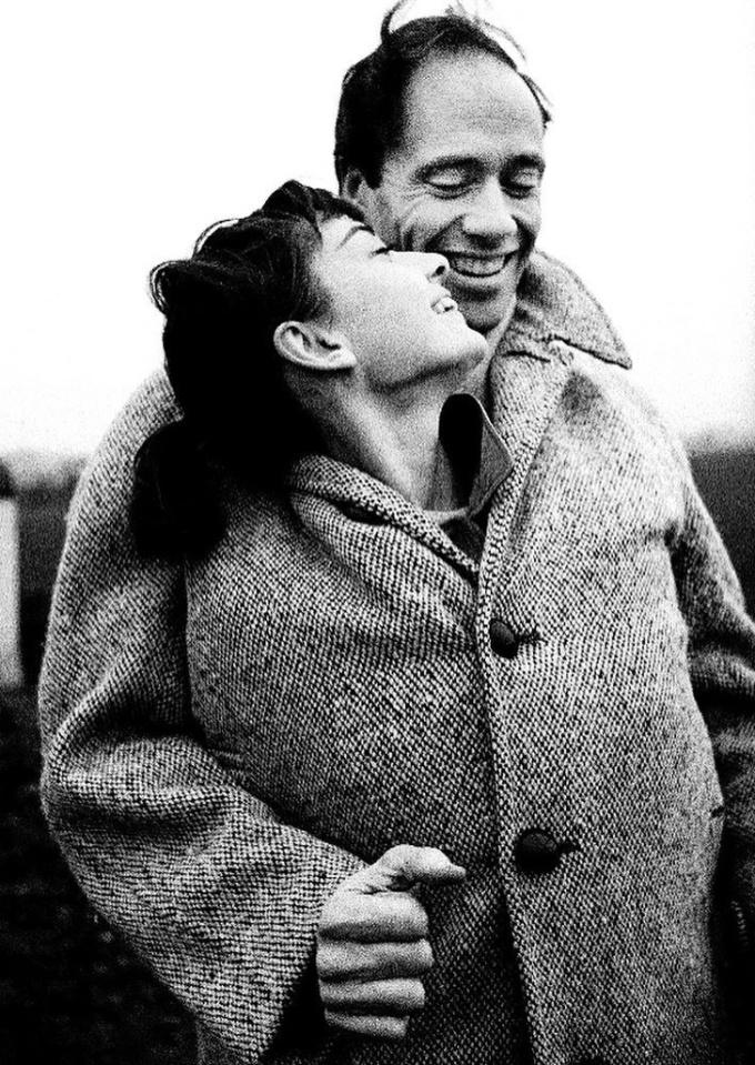 <p> Audrey Hepburn và người chồng đầu tiên, Mel Ferrer, năm 1956.</p>