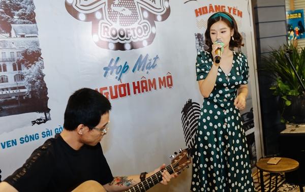 Hoàng Yến Chibi khiến fan phấn khích khi cover Hongkong 1 bản acoustic - 4