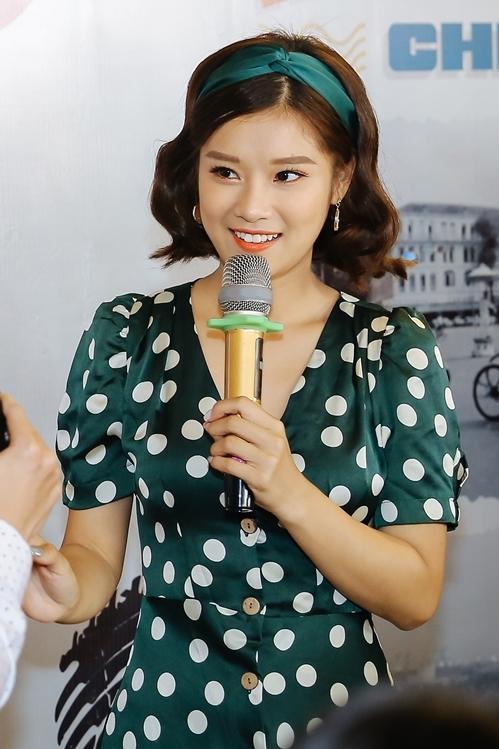 Hoàng Yến Chibi khiến fan phấn khích khi cover Hongkong 1 bản acoustic - 1