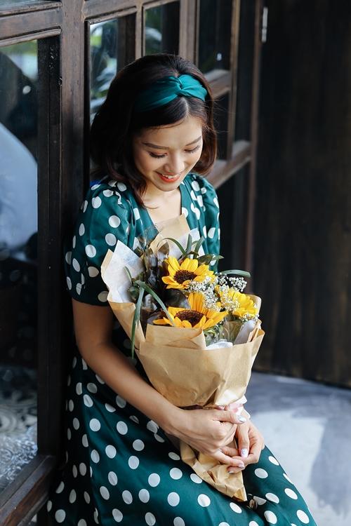 Hoàng Yến Chibi khiến fan phấn khích khi cover Hongkong 1 bản acoustic - 7