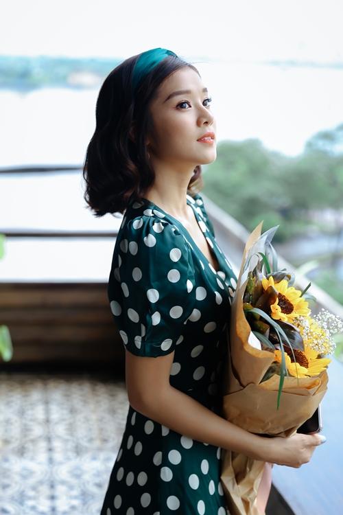 Hoàng Yến Chibi khiến fan phấn khích khi cover Hongkong 1 bản acoustic - 8
