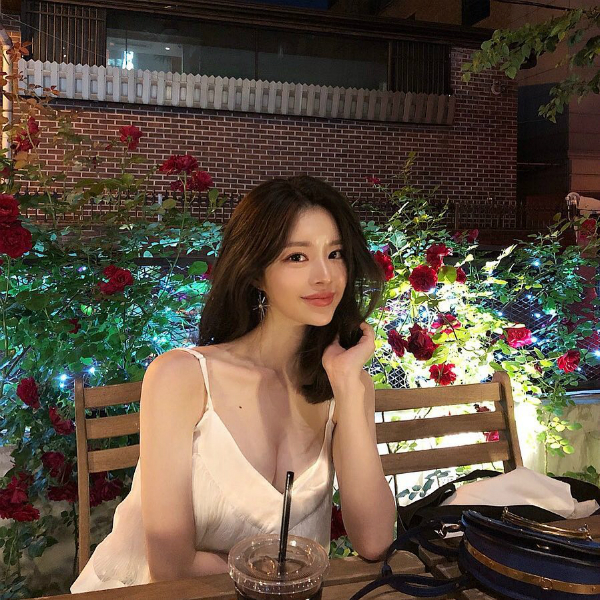 Yoo Hye Won có nhan sắc xinh xắn đậm chất ulzzang Hàn.