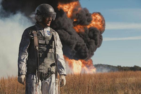 Uẩn khúc cuộc đời của phi hành gia Neil Armstrong đã được tái hiện lên màn ảnh.