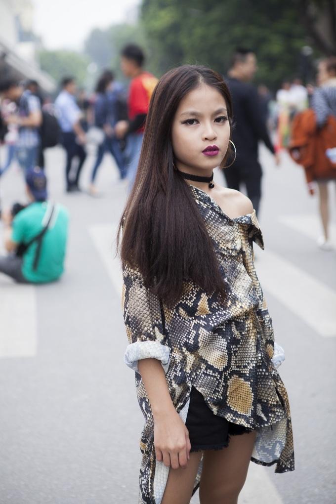 Street style 'như đến từ hành tinh khác' của các tín đồ thời trang Hà thành