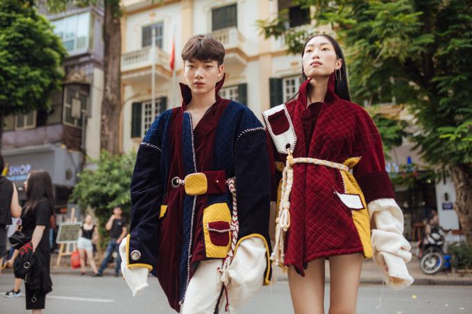 """<p> Bất chấp thời tiết ngày cuối tuần nắng to, các """"fashionista"""" vẫn khoe cá tính trong những set đồ tầng lớp ấm áp hết cỡ.</p>"""