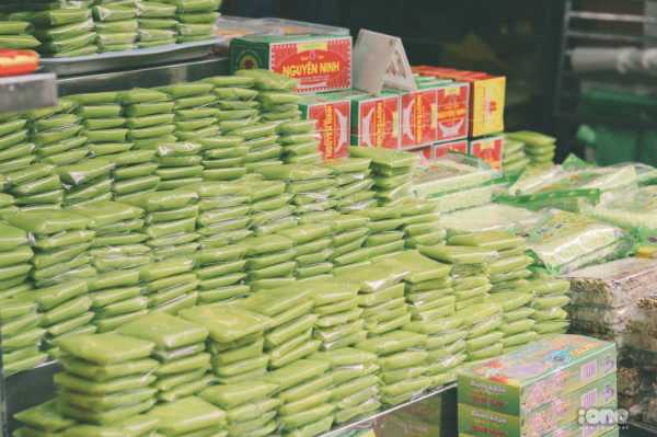 Thu Hà Nội đến rồi, bạn thử các món ăn vặt làm từ cốm chưa?