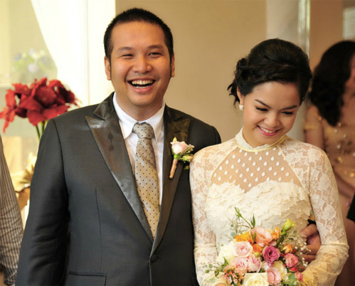 Ngay sau ngày cưới, Phạm Quỳnh Anh bị dư luận đặt nghi vấn mang thai vì vòng 2 lớn bất thường. Tuy nhiên cô một mực im lặng.