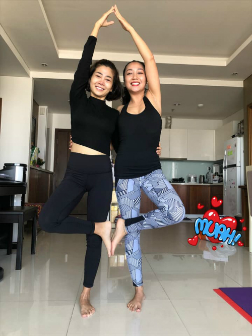 Ốc Thanh Vân cho biết Mai Phương hiện tại có thể tập yoga nhẹ nhàng.