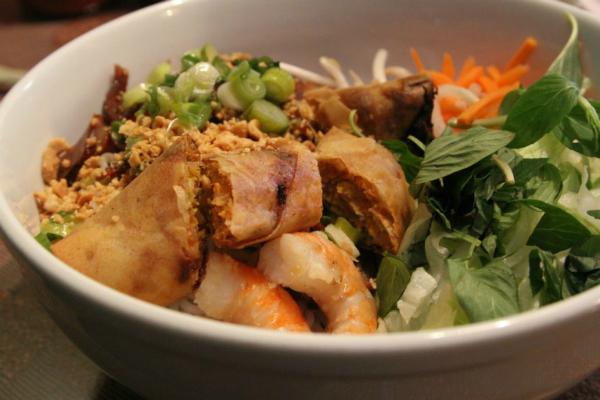 Báo Tây điểm danh 9 món ăn sáng nức tiếng của Việt Nam - 7