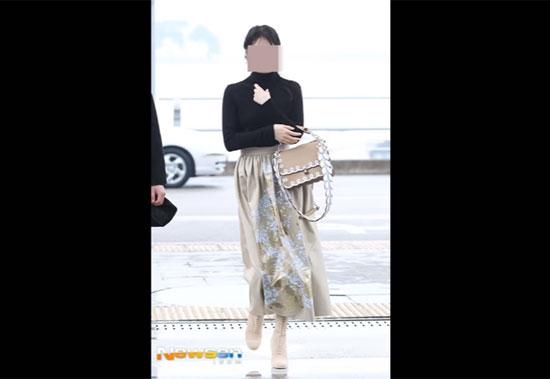 Thời trang sân bay sành điệu này là của idol nào? - 5