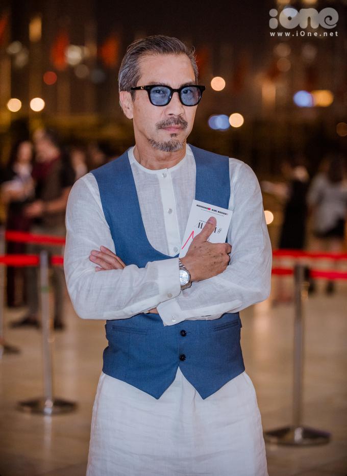 <p> Fashionista Thuận Nguyễn vẫn phong độ ở tuổi 70.</p>