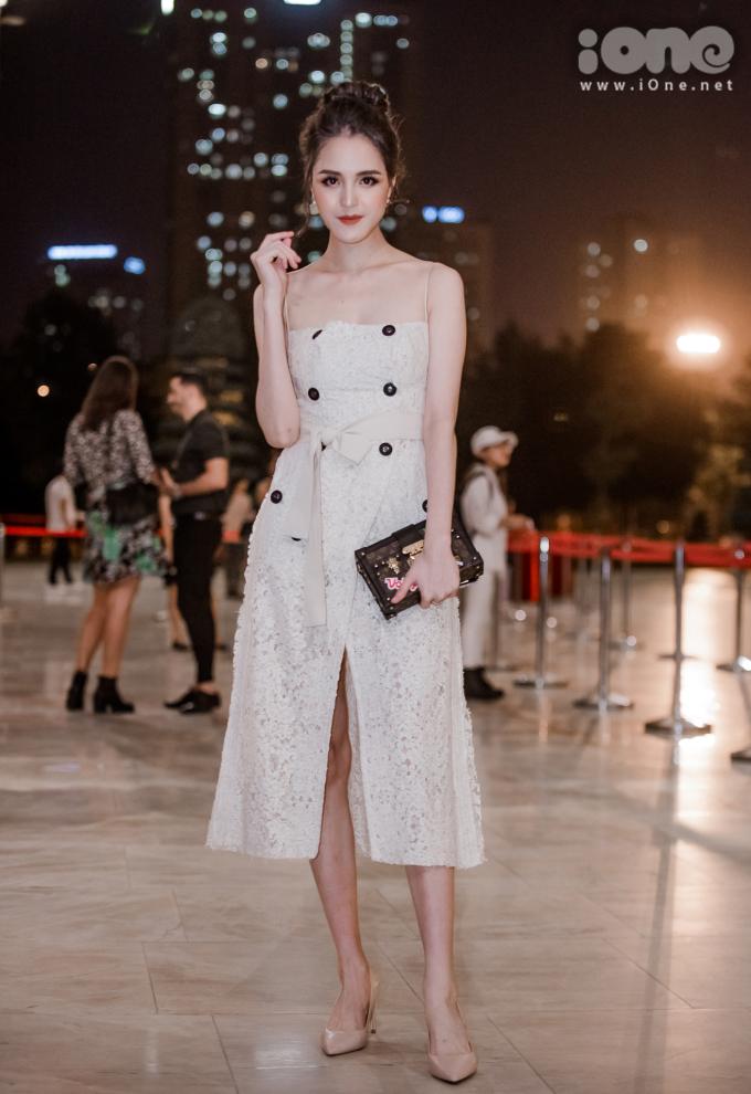 <p> Á hậu Hoàng Anh chăm chỉ góp mặt trong các sự kiện thời trang sau thời gian nghỉ sinh em bé.</p>