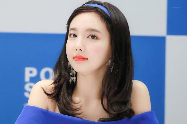 Na Yeon xinh đẹp trong sự kiện mới nhất.