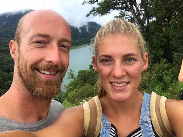 Martin Hill và Iona Steward đến từ Nottingham, cả hai đều chia sẻ niềm đam mê du lịch.