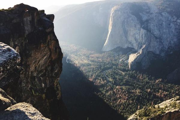 Taft Point là một địa điểm nổi tiếng ở Vườn quốc gia Yosemite