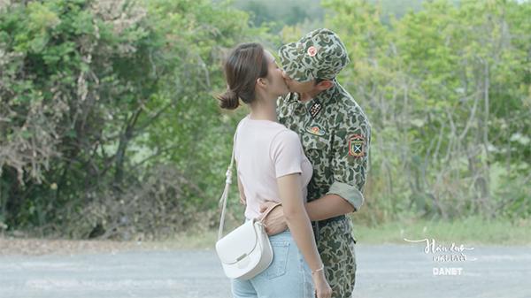 Nụ hôn tiếp theo của Khả Ngân - Song Luân trong phim.