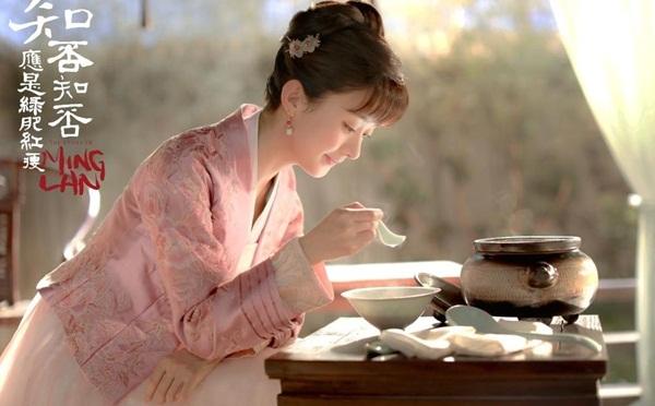 Triệu Lệ Dĩnh hơn 30 tuổi vẫn hóa thân thành thiếu nữ ngon ơ.