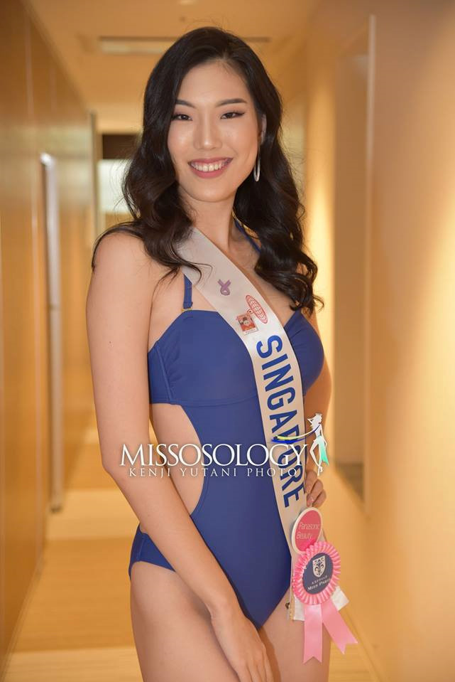 <p> Nhan sắc của thí sinh Singapore không được đánh giá cao. Khuôn mặt của cô thiếu cân đối. Nụ cười hở lợi là điểm trừ của thí sinh này.</p>