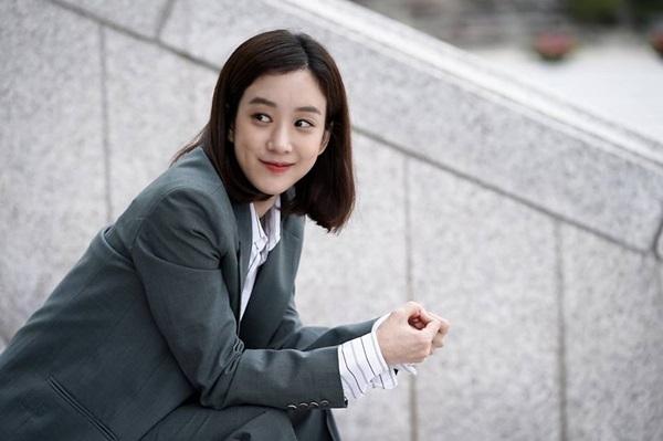 Sau này, khi chuyển hướng sang lĩnh vực diễn xuất, Jung Ryeo Won càng nổi tiếng sau bộ phim Tên tôi là Kim Sam Soon. Những bộ phim có sự tham gia của người đẹp sinh năm 1981 là Autumn Shower, Cô bạn gái đa nhân cách, Lạc giữa đảo hoang, In love and the war, Tòa án ma nữ, Chảo lửa tình yêu...