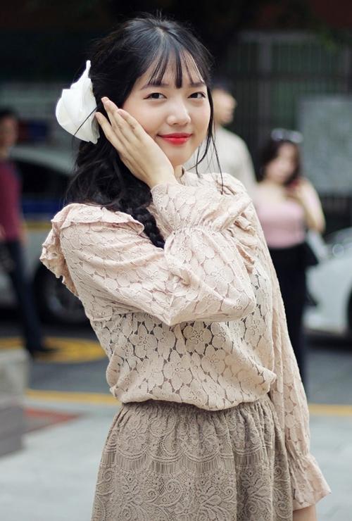 Ruyda đang theo học trường Đại học Khoa học Xã hội và Nhân Văn. Cũng như chị gái, cô có khả năng nói tiếng Việt tốt khi sống ở Việt Nam được một thời gian khá dài.