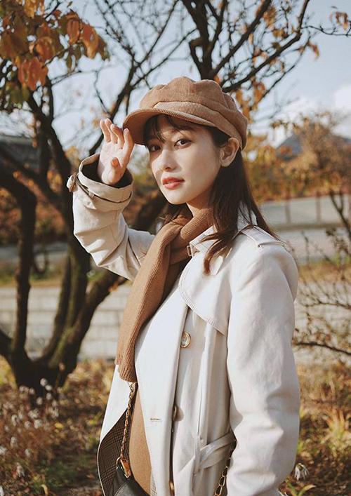 Jun Vũ hóa cô bé mùa đông ấm áp và đáng yêu ở Hàn Quốc.