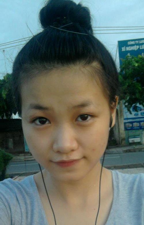 Nhiều bức ảnh mặt mộc của Phương Khánh thời tuổi teen cũng được lục lại, chứng minh nhan sắc ngày càng hoàn thiện, đẹp lên theo thời gian của tân Miss Earth 2018.