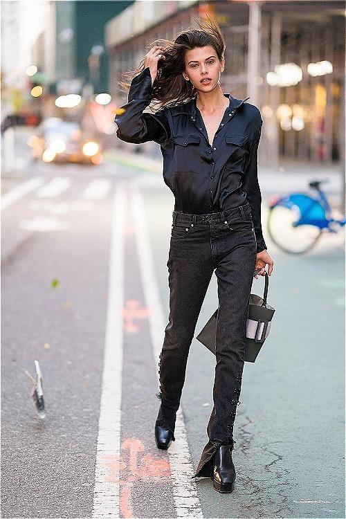 Buổi thử đồ cuối cùng trước khi VSFS bắt đầu ngày 8/11 còn có sự tham gia của nhiều chân dài khác. Trong ảnh là người mẫu trẻ Georgia Fowler.