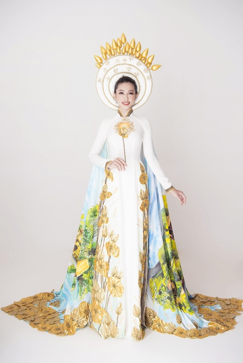 Bộ quốc phục của Thùy Tiên.