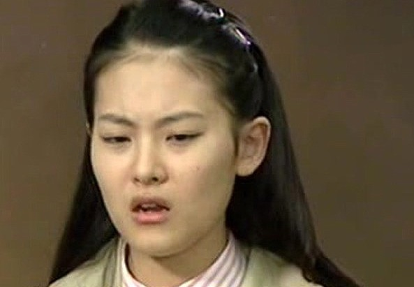 Thời thiếu nữ, gương mặt Oh Yeon Seo được đánh giá là mờ nhạt, kém sắc.