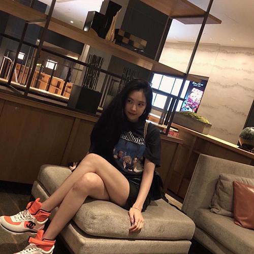 Lisa, Sun Mi gây tranh cãi khi vào top idol có đôi chân đẹp - 9