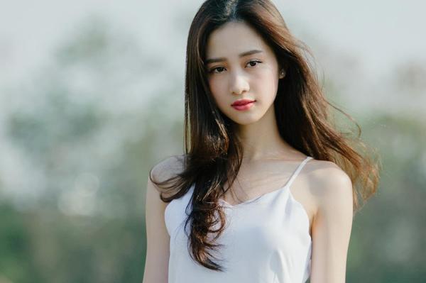 Jun Vũ cũng là một trong những ứng cử viên được đề cử cho vai nữ chính Hà Lan trong Mắt Biếc. Năm 2018, Jun Vũ gây chú ý với hai bộ phim điện ảnh là Tháng năm rực rỡ và Người bất tử.