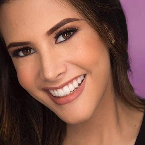 Gây ấn tượng đặc biệt với người đối diện ở Mariem Velazco là nụ cười rạng rỡ. Cô được nhận xét như một thiên thần với ánh mắt biết nói.