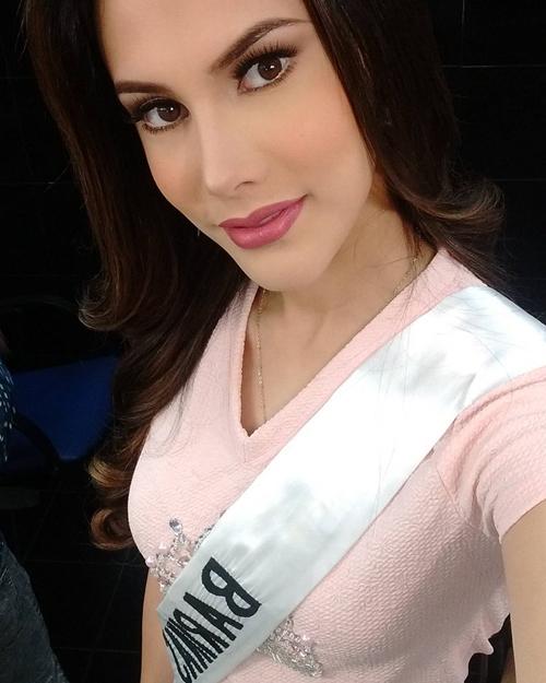 Vẻ thiên thần của người đẹp 19 tuổi vừa đăng quang Hoa hậu Quốc tế 2018 - 11