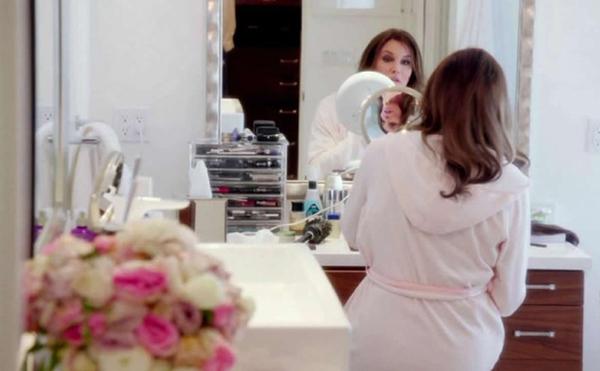 Trong cuộc phỏng vấn với Diane Sawyer hồi tháng 4/2015, cựu vận động viên Olympic Caitlyn Jenner đã tiết lộ mong muốn có một căn phòng trang điểm hoành tráng tại căn biệt thự này.  Đó là nơi yêu thích nhất của tôi mỗi khi về nhà.