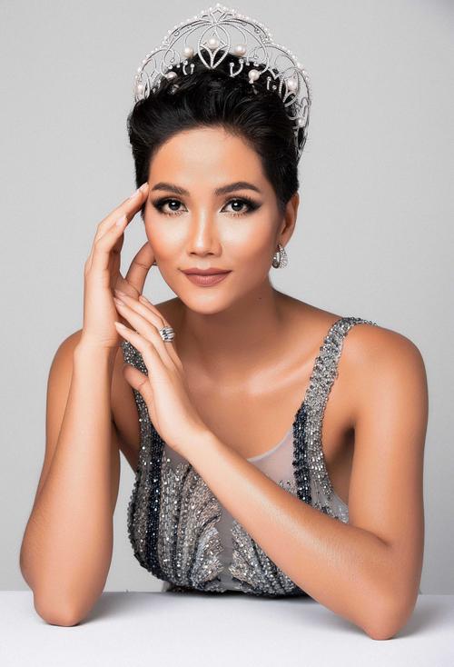 Xuất hiện đối thủ xinh đẹp khiến HHen Niê mất ngôi mỹ nhân tóc tém duy nhất ở HH Hoàn vũ
