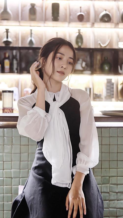 Vẻ đẹp bạn thân giật bồ Hương Giang trong MV triệu view - 10