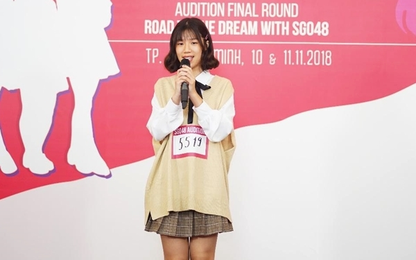 Thí sinh Thái Gia Nghi (SBD 5519) gây ấn tượng với BGK khi hát bằng tiếng Nhật.