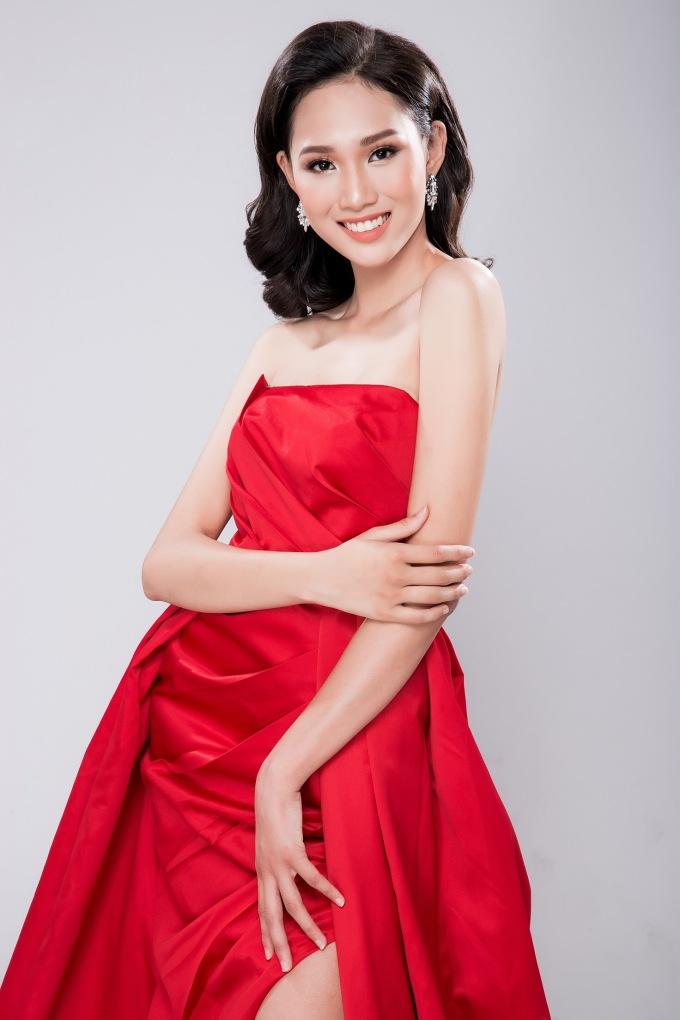 """<p> Tuổi trẻ của Phương Hiền có thể là cơ hội giúp cô tỏa sáng tại cuộc thi có nhiều mỹ nhân """"quen mặt"""" dự thi.</p>"""