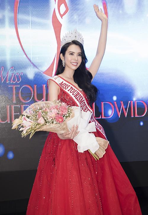 Hàng loạt cuộc thi sắc đẹp quốc tế khác cũng gọi tên đại diện Việt Nam trong năm nay.Hoa hậu Du lịch thế giới 2018