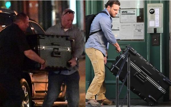 Người ta thường bắt gặp các vệ sĩ của Taylor khệ nệ bê chiếc vali khổng lồ.