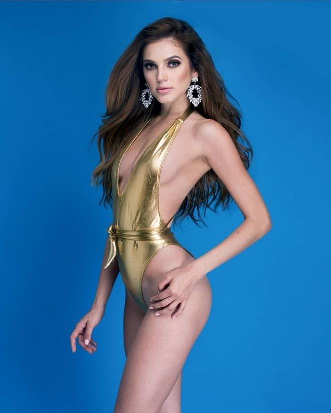 """<p> """"Không góc chết"""" là nhận xét của một khán giả khi bình luận về nhan sắc củaDiana Romero - đại diện Mexico. Trong lịch sử hơn 9 năm của cuộc thi, Mexico chưa từng có đại diện nào đăng quang Hoa hậu Siêu quốc gia. Vì vậy, người đẹp 25 tuổi, cao 1,74m, sở hữu số đo vàng cùng nhan sắc xinh đẹp, được kỳ vọng làm nên chuyện, mang vương miện về cho đất nước Bắc Mỹ.</p>"""