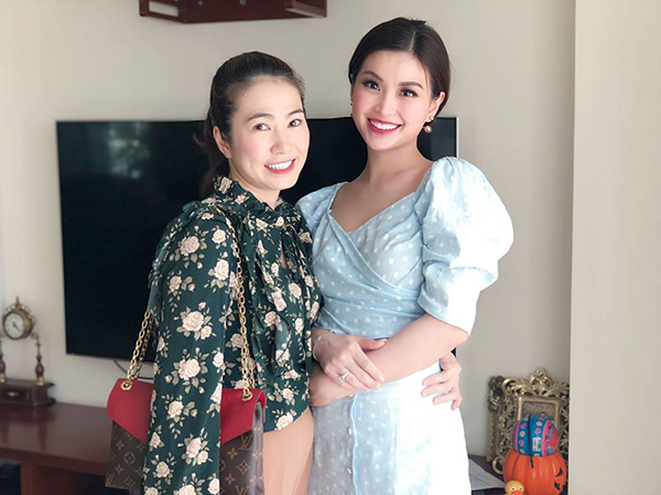 Diễm Trang và Thanh Thảo Hugo rạng rỡ khi hội ngộ.