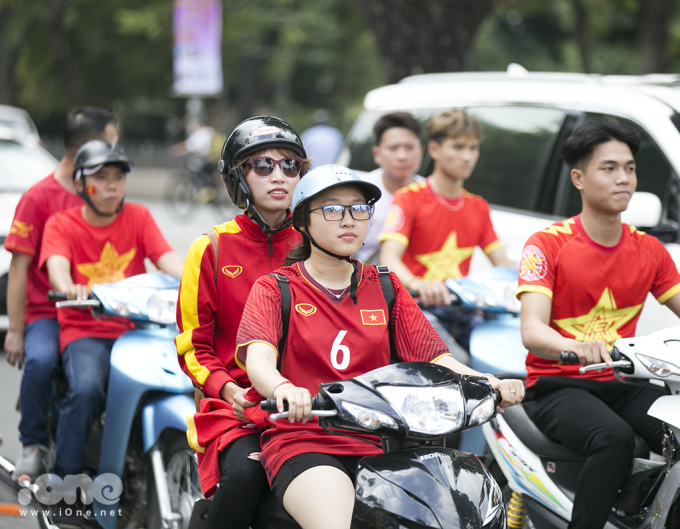 """<p> Chia sẻ trong cuộc họp báo diễn ra ở Hà Nội, huấn luyện viên Park Hang-seo nói: """"Không khí giải đấu đang nóng lên rồi. Tôi và các cộng sự cũng đã thân chinh sang Malaysia để nghiên cứu đối thủ. Trận này có ý nghĩa như chung kết vậy"""".</p>"""