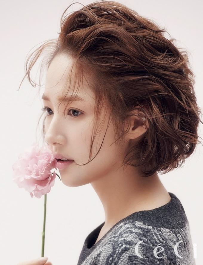 """<p> Dù được đặt biệt danh là """"người đẹp"""" dao kéo nhưng gương mặt Park Min Young không hề đơ cứng. Các đường nét mềm mại, hài hòa, """"chuẩn từng milimet"""".</p>"""
