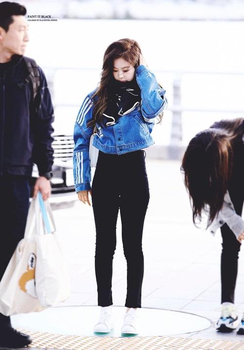 Jennie dáng to bất thường, Nancy diện đồ mát mẻ giữa trời lạnh - 5