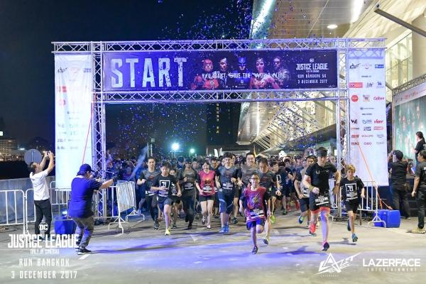 Justice League Night Run diễn ra ở Thái Lan.
