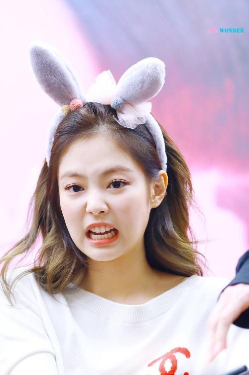 Những khoảnh khắc cưng hết cỡ khiến fan không thể không yêu của Jennie