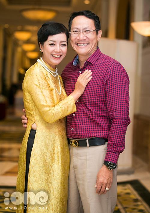 NSƯT Chiều Xuân đóng cặp với NSƯT Hoàng Hải trong phim.
